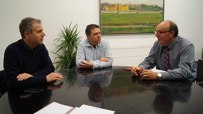 L'alcalde de Corbera demana la col·laboració de la Diputació per a executar millores necessàries en el castell