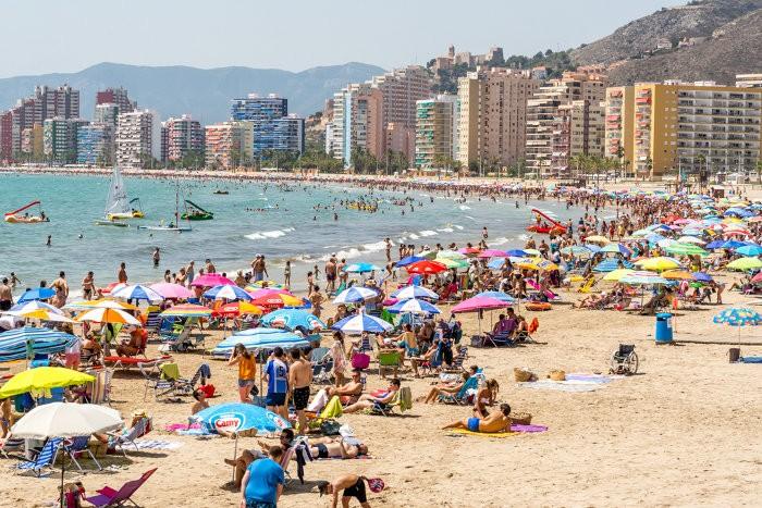 La presencia de turisme internacional es dispara un 66,33% a Cullera
