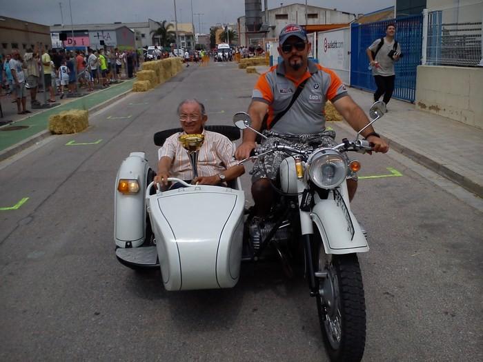 Homenatge del Moto Club de Sueca a l'històric pilot César Gracia