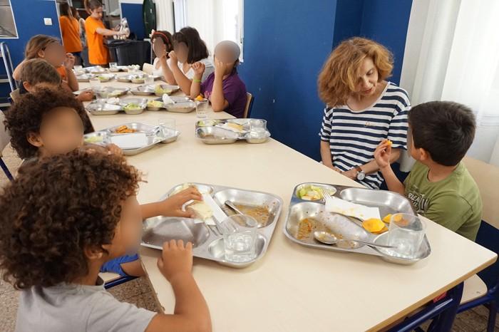 Cullera garanteix l'alimentació a mig centenar de xiquets sense recursos durant l'estiu