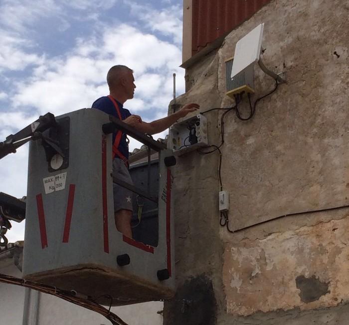 L'Ajuntament de Favara realitza millores en la xarxa wifi gratuïta