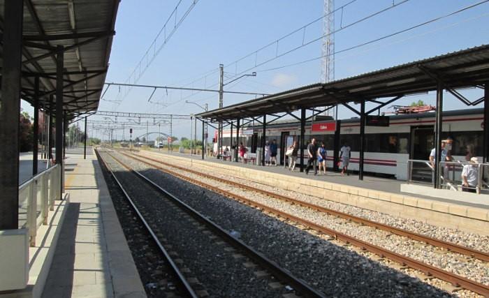 Moragues anuncia que Foment desdoblarà les vies del ferrocarril Cullera-Gandia