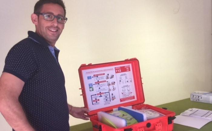 L'Ajuntament de Favara ja disposa d'un equip desfibril·lador portàtil
