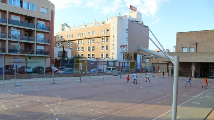 Almussafes reprèn l'obertura dels patis dels centres educatius en horari extraescolar