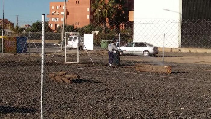 Almussafes desinfecta els cinc pipicans del nucli urbà