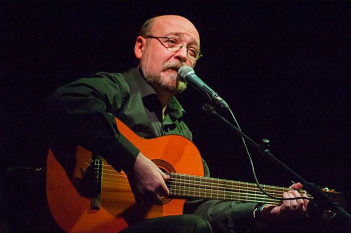 El cantautor Miquel Pujadó actua divendres en les 'Nits amb la Cultura' d'Almussafes