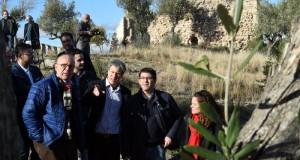 El president de la Diputacio visita el castell de Corbera_3
