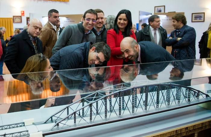 """""""Els ponts de ferro de la Ribera i la Diputació porten més de 100 anys unint pobles i persones"""""""