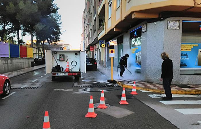 Almussafes posa en marxa un pla de neteja integral amb treballadors aturats