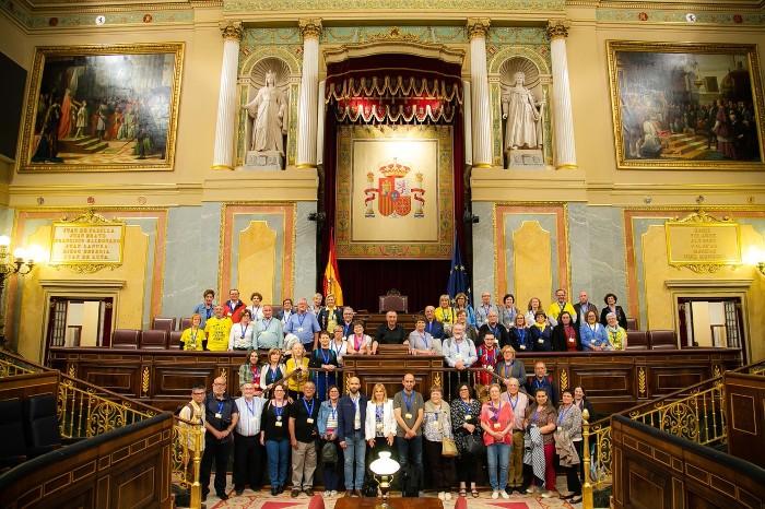 El col·lectiu de pensionistes de Sueca i Bloc Compromís visiten el Congrés dels Diputats