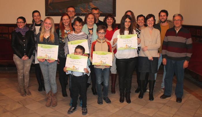 Lliuren els premis del concurs de Proansu de Sueca per a relats d'escolars