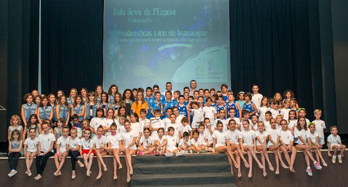 L'Ajuntament d'Almussafes rendix homenatge als seus millors esportistes menors de 16 anys
