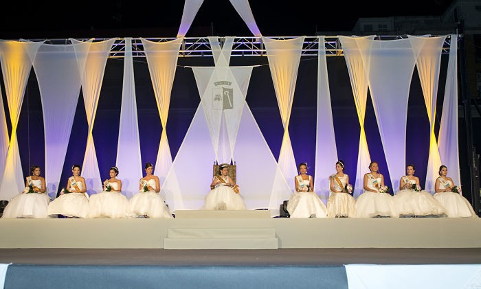 La presentació de la Reina i Cort d'Honor obri les Festes Patronals d'Almussafes