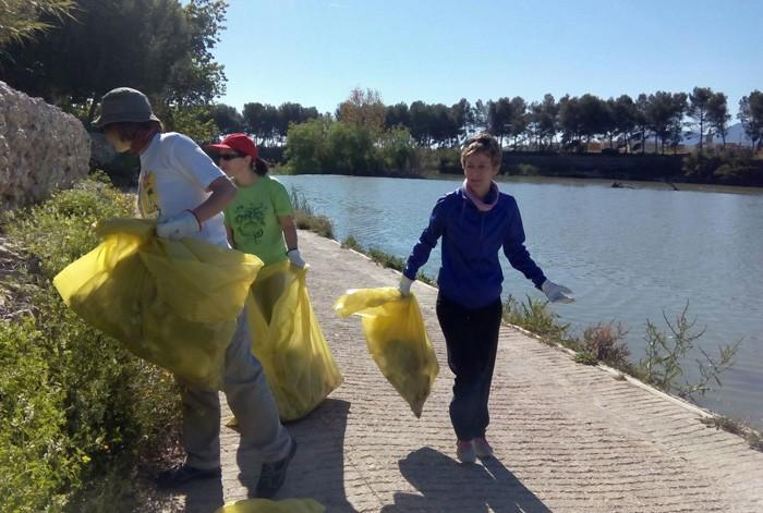 Quaranta pobles participen enguany en el 'Mans al riu' per a netejar de deixalles les riberes