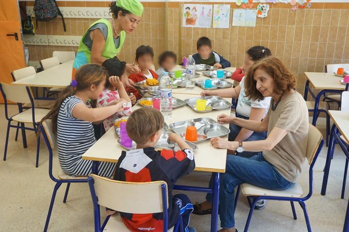 Cullera garanteix l'alimentació a xiquets sense recursos durant les vacances de Pasqua