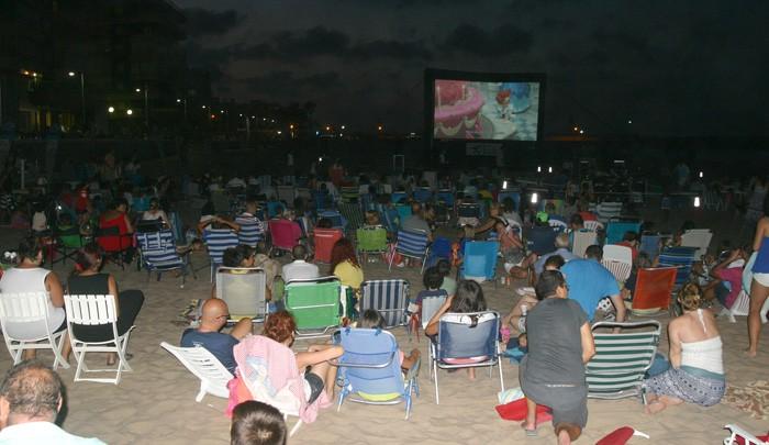 Torna el cine d'estiu a la fresca a les platges de Cullera, el Mareny, les Palmeres i el Perelló