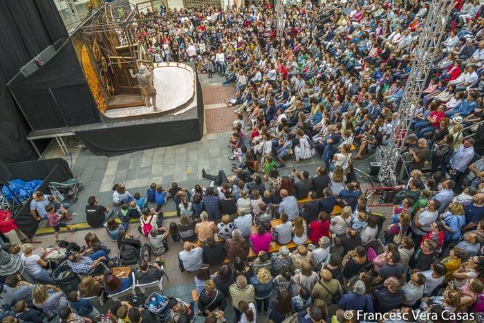 Cent per cent d'ocupació en tots els espectacles de sala i carrer del MIM de Sueca