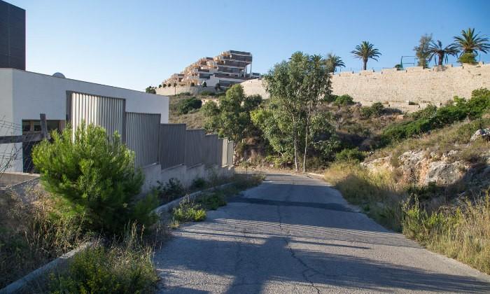 Cullera rehabilita la urbanització Faro del Mediterráneo 51 anys després