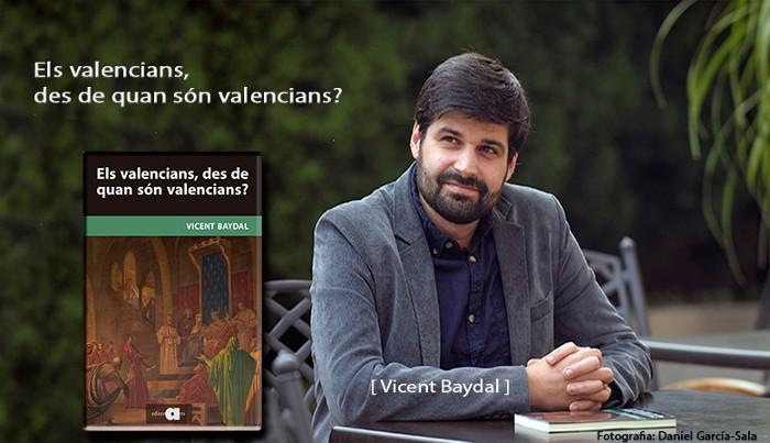 Presenten el llibre 'Els valencians, des de quan són valencians?'a la Falla Bernat Aliño de Sueca