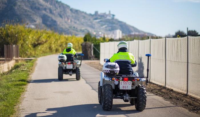 La Policia Local de Cullera frustra el robatori de plantons de caqui