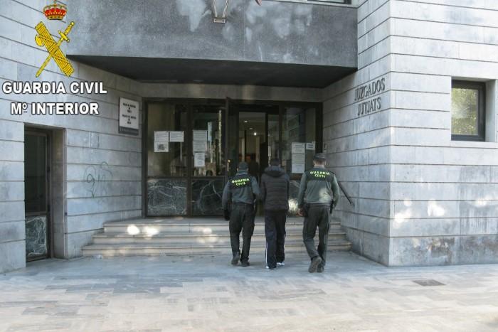 Detinguts per la Guàrdia Civil a Sueca i Picassent per diversos robatoris a la comarca