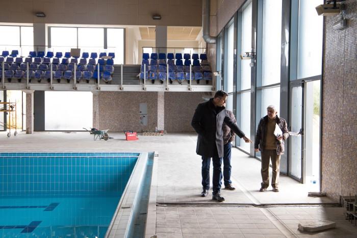 La piscina coberta municipal de Cullera obrirà sota gestió pública