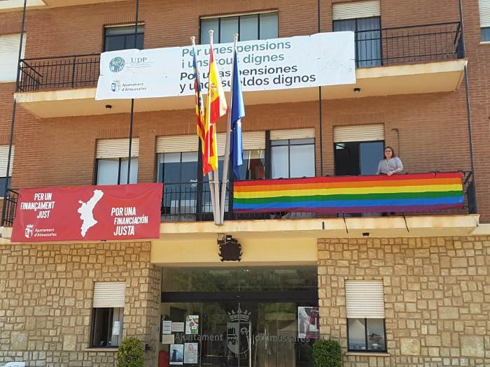 Almussafes celebra per primera vegada el Dia Internacional contra l'Homofobia, la Transfòbia i la Bifobia
