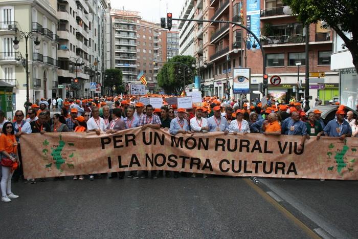 El món rural valencià clama en defensa de les tradicions, el medi ambient, el camp i les muntanyes