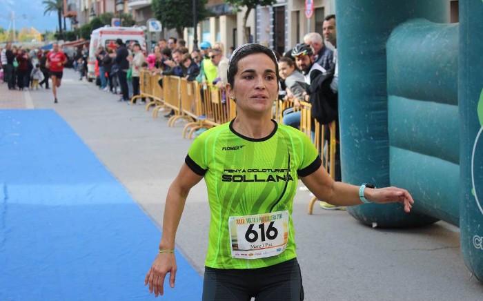 Claudia Guillem i Fernando Hernández guanyen la Volta a Peu a Cullera