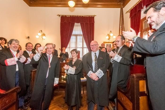El lletrat suecà Joan Tamarit és distingit amb la Creu al Mèrit en el Servei de l'Advocacia