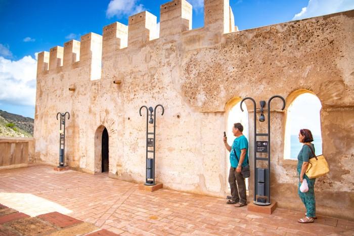 turistes-castell-cullera_2