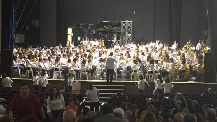 Dos-cents cinquanta joves músics de la Ribera Baixa es reuneixen a Almussafes