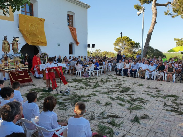 Centenars de persones acudeixen a la tradicional romeria dels Benissants de la Pedra de Sueca