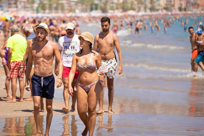 Cullera tanca juliol per damunt del 80% d'ocupació turística