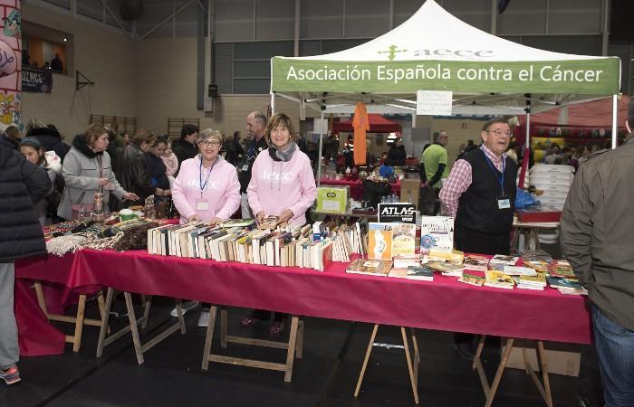 AECC Almussafes recapta 1.472 euros en el seu segon mercadet solidari del 'Miraquebé'