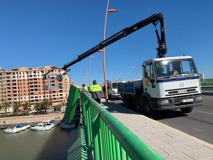 Cullera retira les planxes del Pont de la Bega davant el risc de caiguda